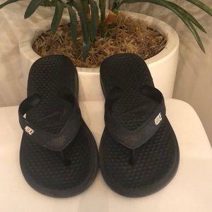 Nike flip flops! Size 11